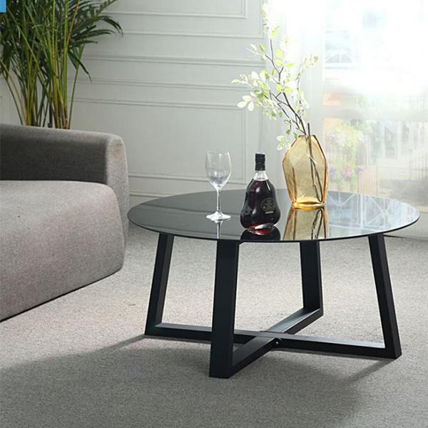 Đây là mẫu bàn có mặt kính cường lực vô cùng bền đẹp