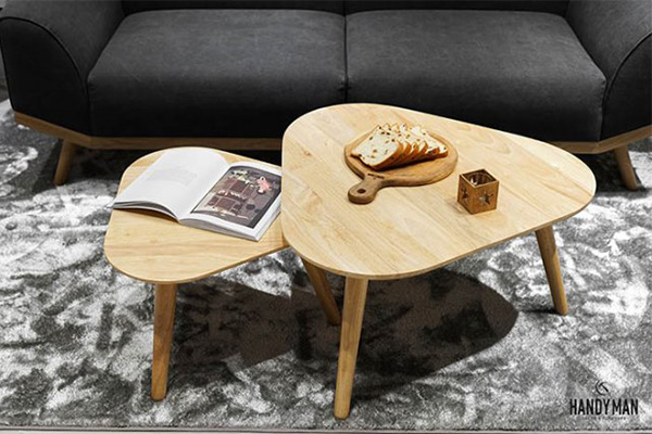 Tính nồng ấm, mộc mạc của gỗ sẽ là điểm ghép vừa vặn cho gian phòng khách