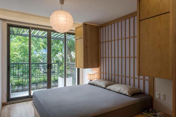 Thiết kế đèn đơn giản có thể kết hợp hài hòa với nhiều phong cách phòng ngủ đa dạng
