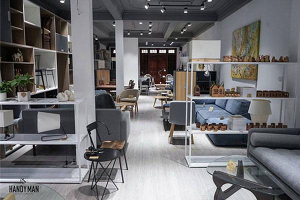 Một trong những địa điểm chuyên bán bàn trà sofa với uy tín cao ở Hà Nội chính là Handyman